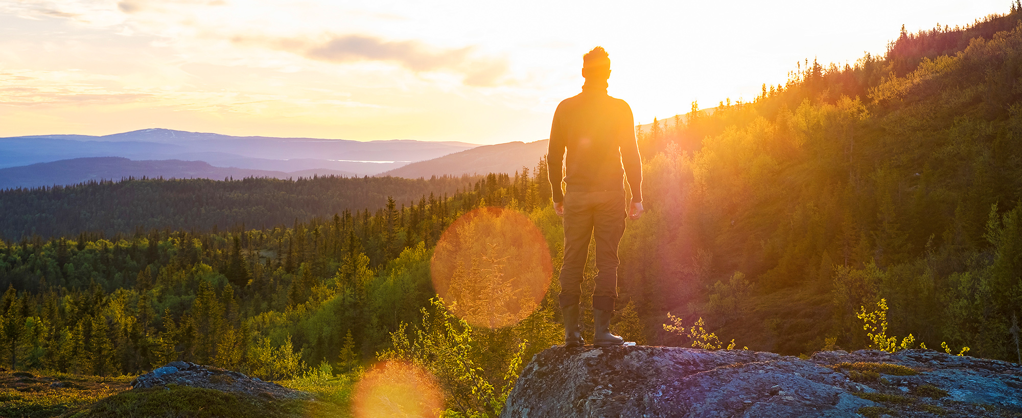 En Fjällvandring För Att Uppleva Gryningsljuset är En Fjällupplevelse I Världsklass I Södra Årefjällen.
