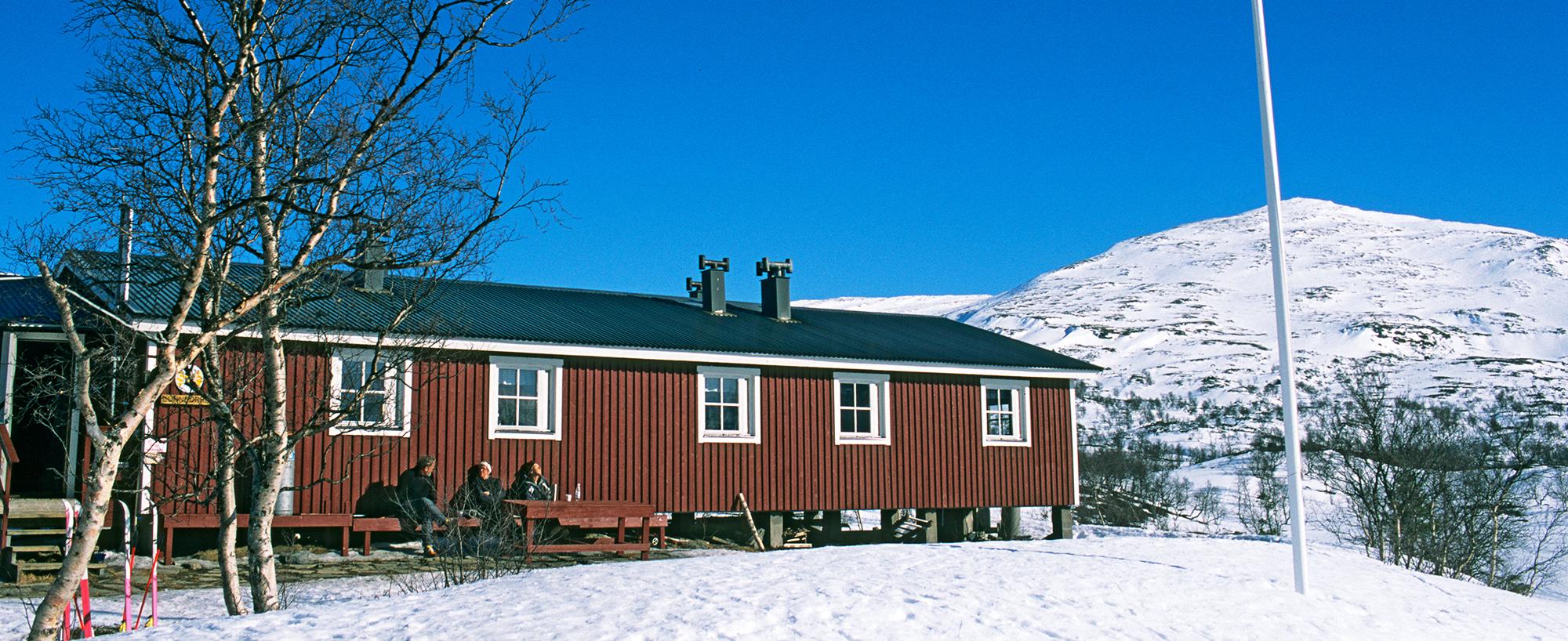 Lunndörrsstugan är En Av övernattningsplatserna Längs Vålådalsfyrkanten. En Fjällupplevelse I Världsklass I Södra Årefjällen.
