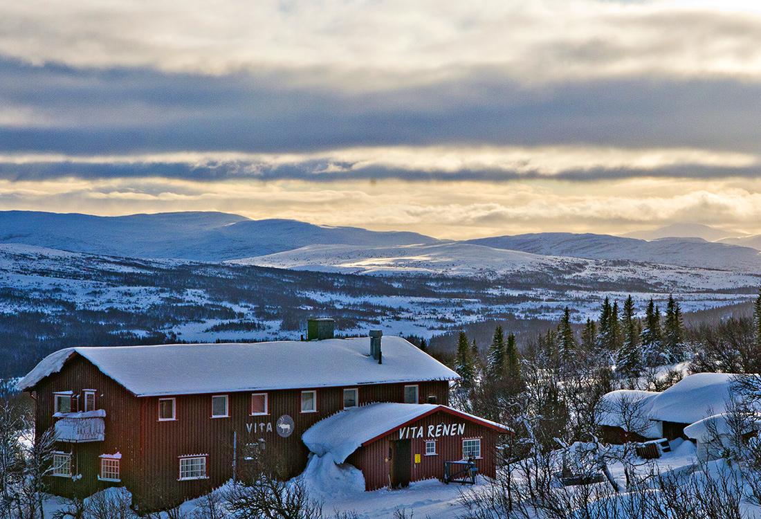 Att Ta Sig Upp Till Vita Renen, På Renfjället, är En Av Fjällupplevelserna I Världsklass I Södra Årefjällen.